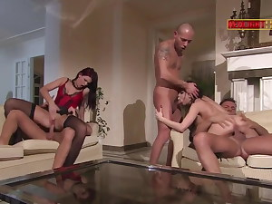 Gang-bang with Alison Star and Luna Gold in black tights