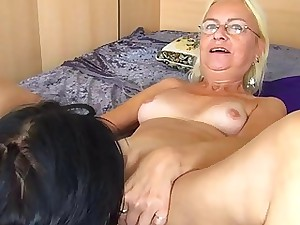 Lickerish youthful live-in lover munches increased by fucks granny